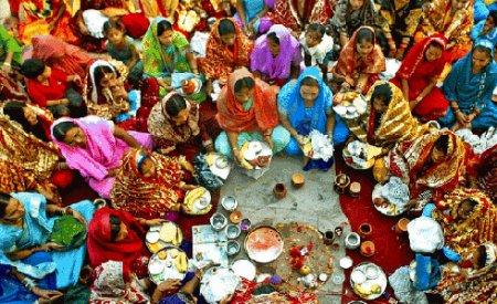 Индия: праздник замужних женщин и символы замужества